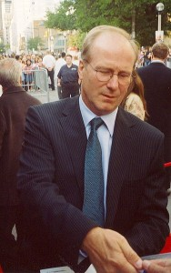 William Hurt signing autographs at the 2005 Toronto Film Festival (photo by sheksay)